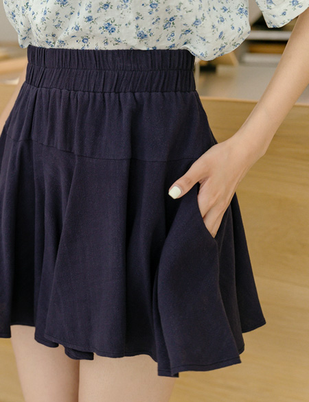 The Red Linen Banding Shorts 44625