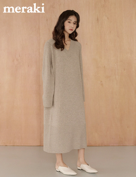 Moselle V-neck rams wool One Piece 45720